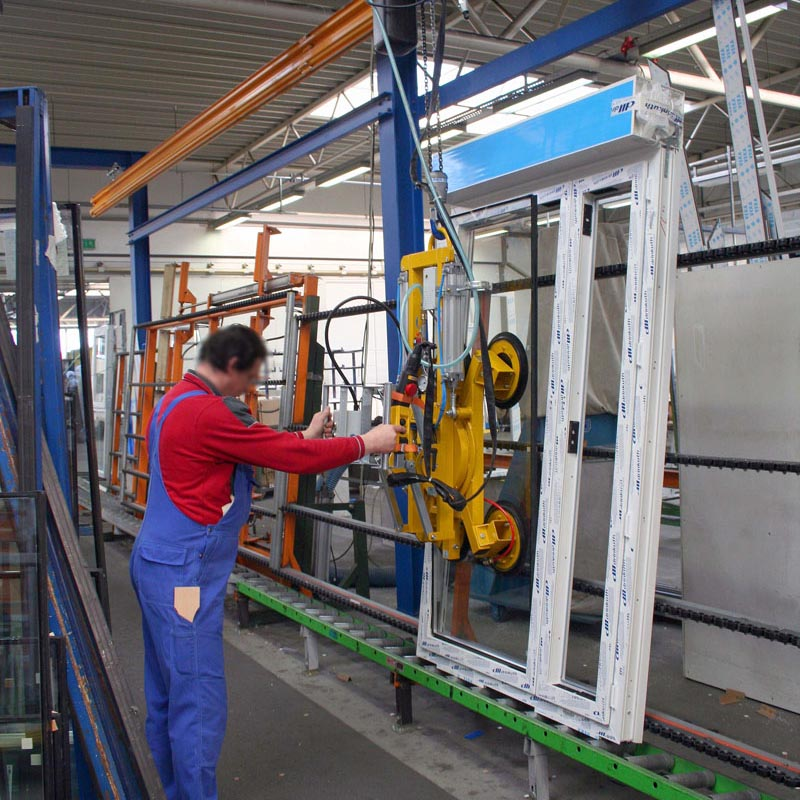 Some of the glass panes are used by Drinkuth AG with vacuum lifter 7025-MD4/E.