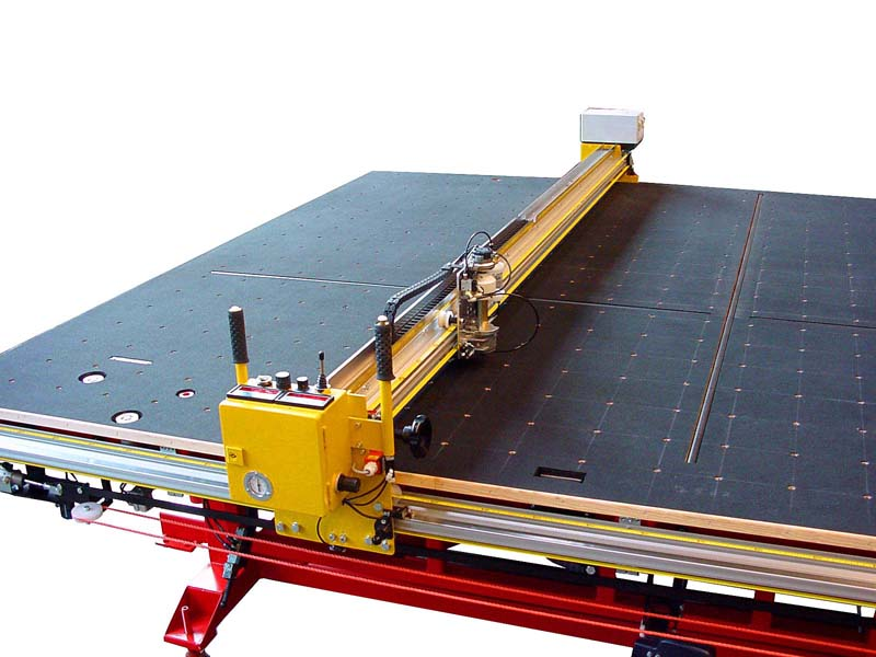 Flat glass cutting machine 115-5d for manual cutting to size of flat glass.