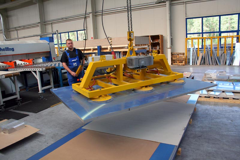 Vacuum lifter 8001-H2000 in operation