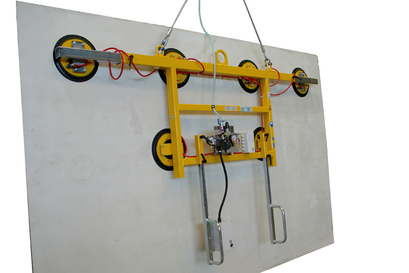 Kombi 7005-AB/E vacuum lifter with an extendable carrying bar (3-4 m) for a dead weight of 600kg.